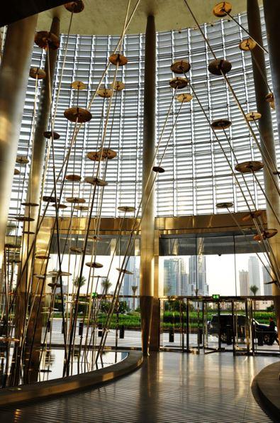 Инсталляция «Голоса мира» в Бурдж-Халифа