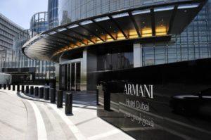 Вход в отель Armani
